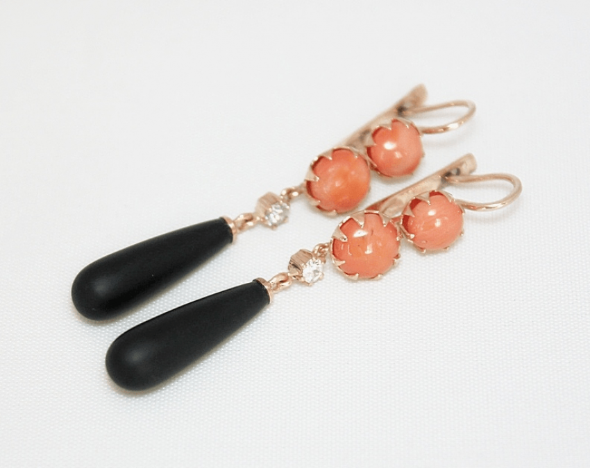 Earrings with coral, diamonds and agate - photo 1