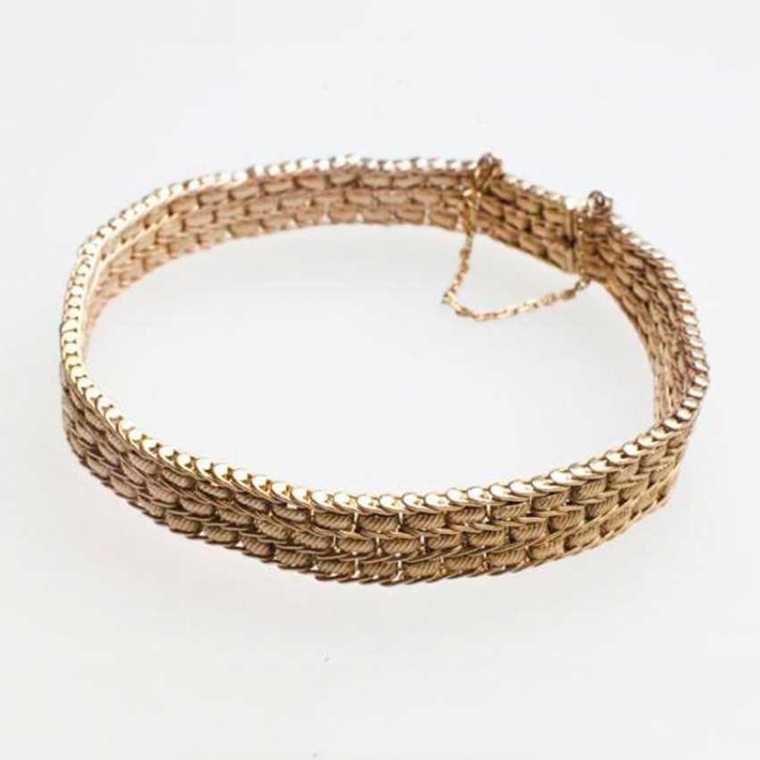A bracelet of gold - photo 1