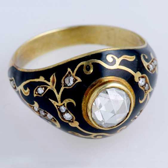 Ring with black enamel - photo 1