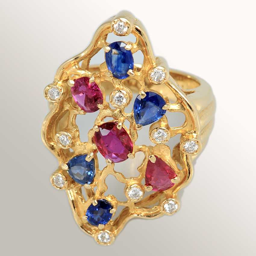 Ring with sapphires and rubies - photo 1