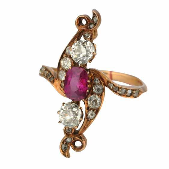 Ring with ruby and diamonds - photo 1