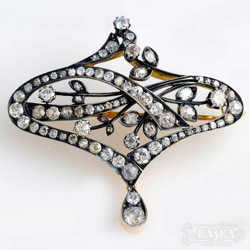 Brooch in the art Nouveau style with diamonds - photo 1