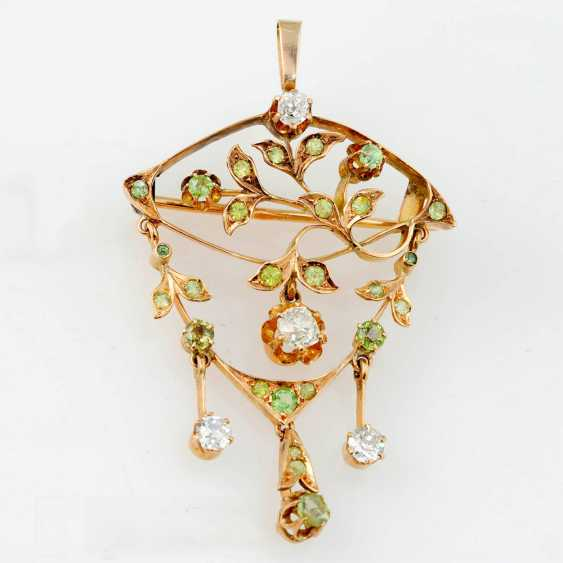 Brooch-pendant with diamonds and chrysolites - photo 1