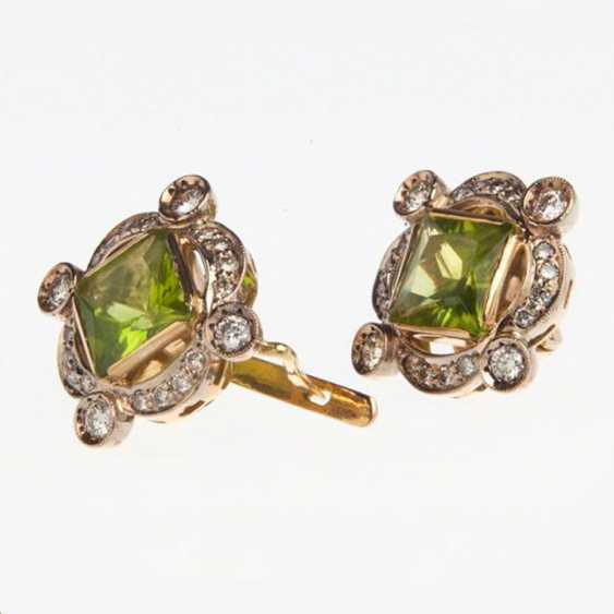 Earring with chrysolite and diamonds - photo 2
