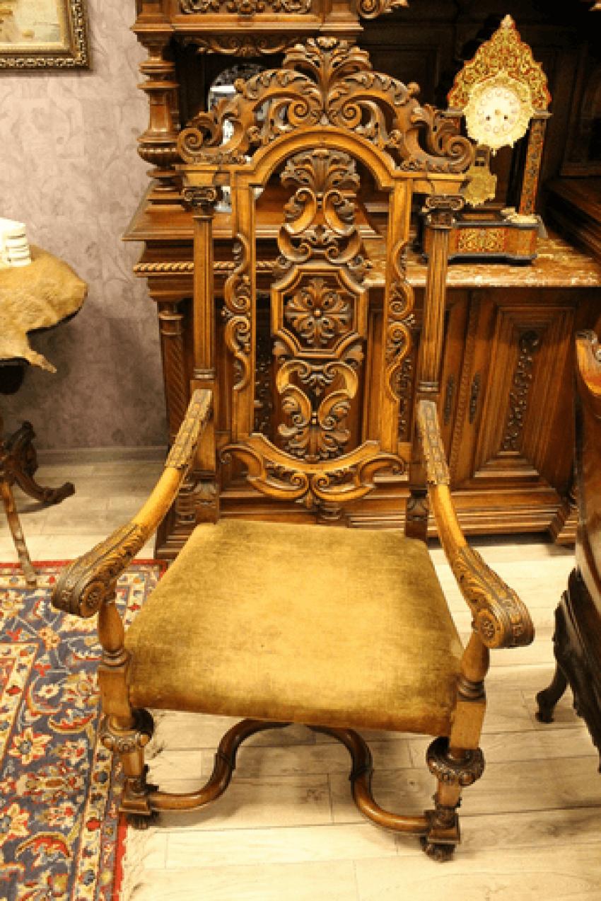 Chair - photo 1
