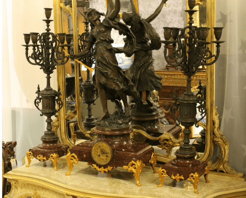 mantel clock with candelabras - photo 1