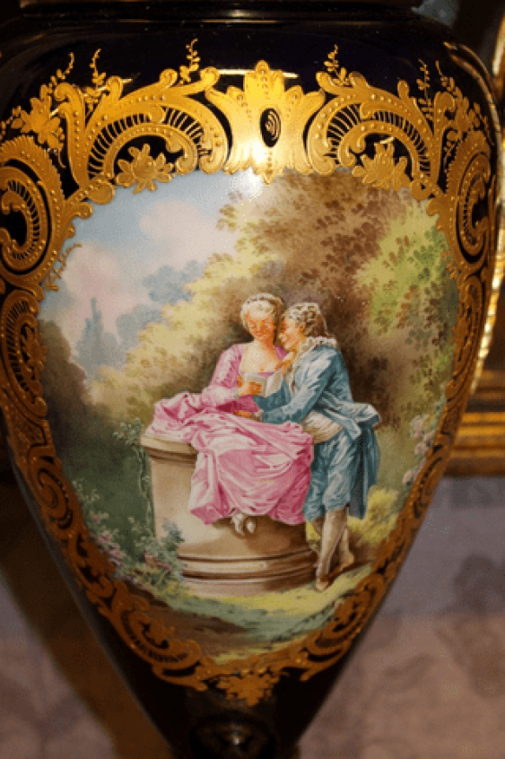 Pair of French vases 19th century - photo 4