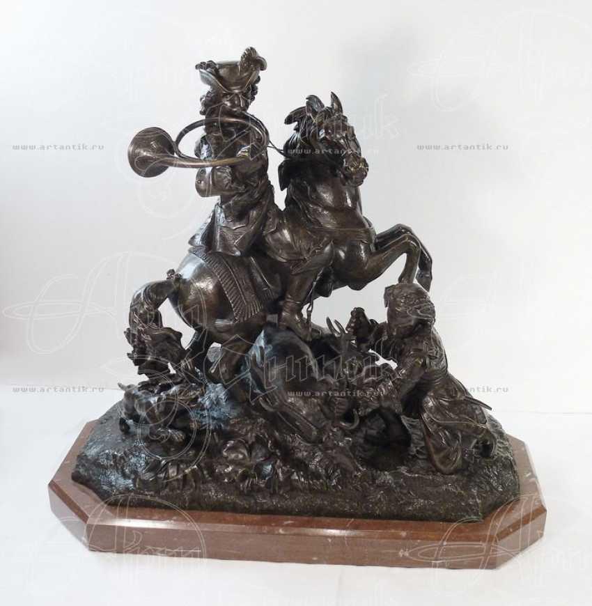 "The sculpture ""Royal hunt"" - photo 1"