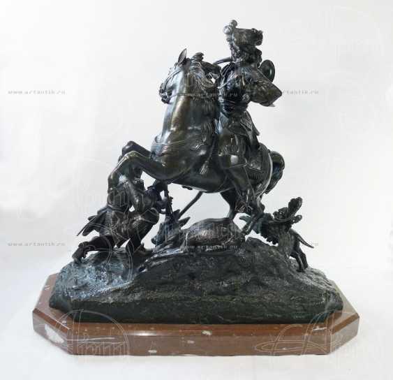 "The sculpture ""Royal hunt"" - photo 5"