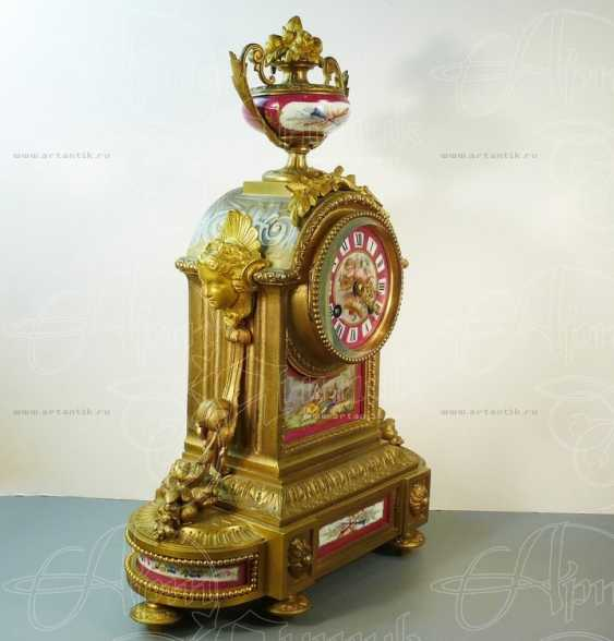 Mantel clock with porcelain inserts - photo 2