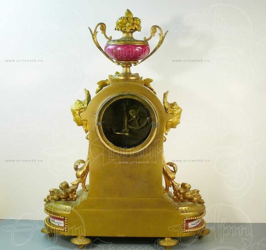 Mantel clock with porcelain inserts - photo 3