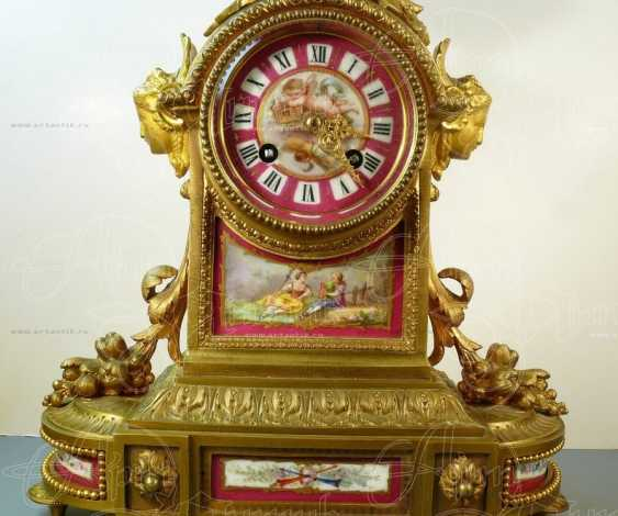 Mantel clock with porcelain inserts - photo 4