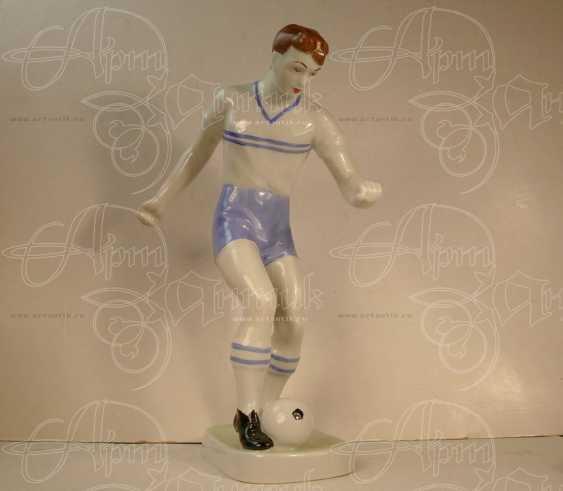"""Скульптура """"Футболист"""" - photo 1"""