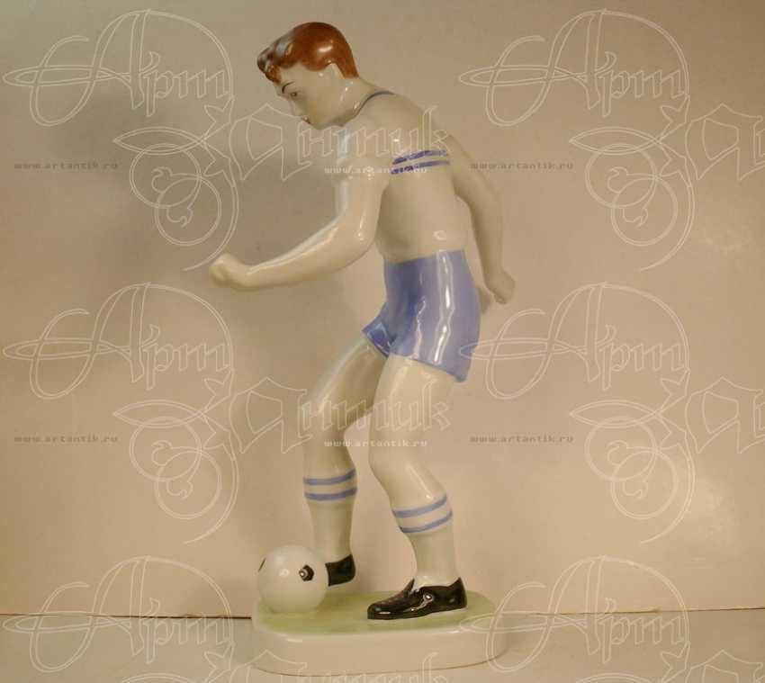 """Скульптура """"Футболист"""" - photo 2"""