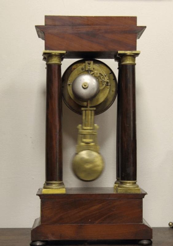 Часы настольные с маятником - photo 2