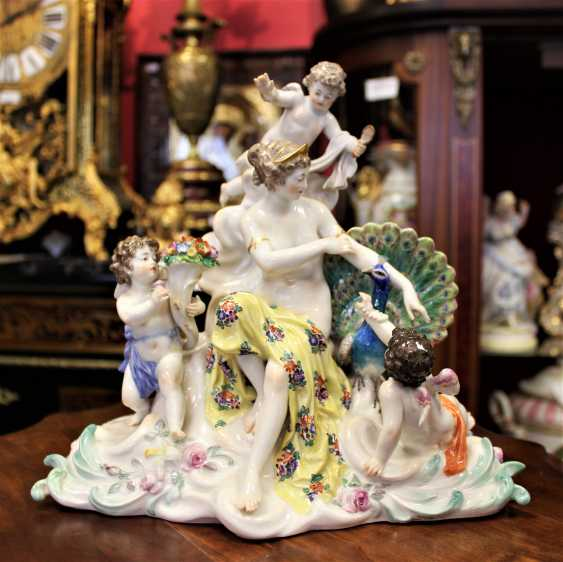 "The sculptural composition ""the lady with the amours and the peacock."" Meissen, XIX century - photo 1"