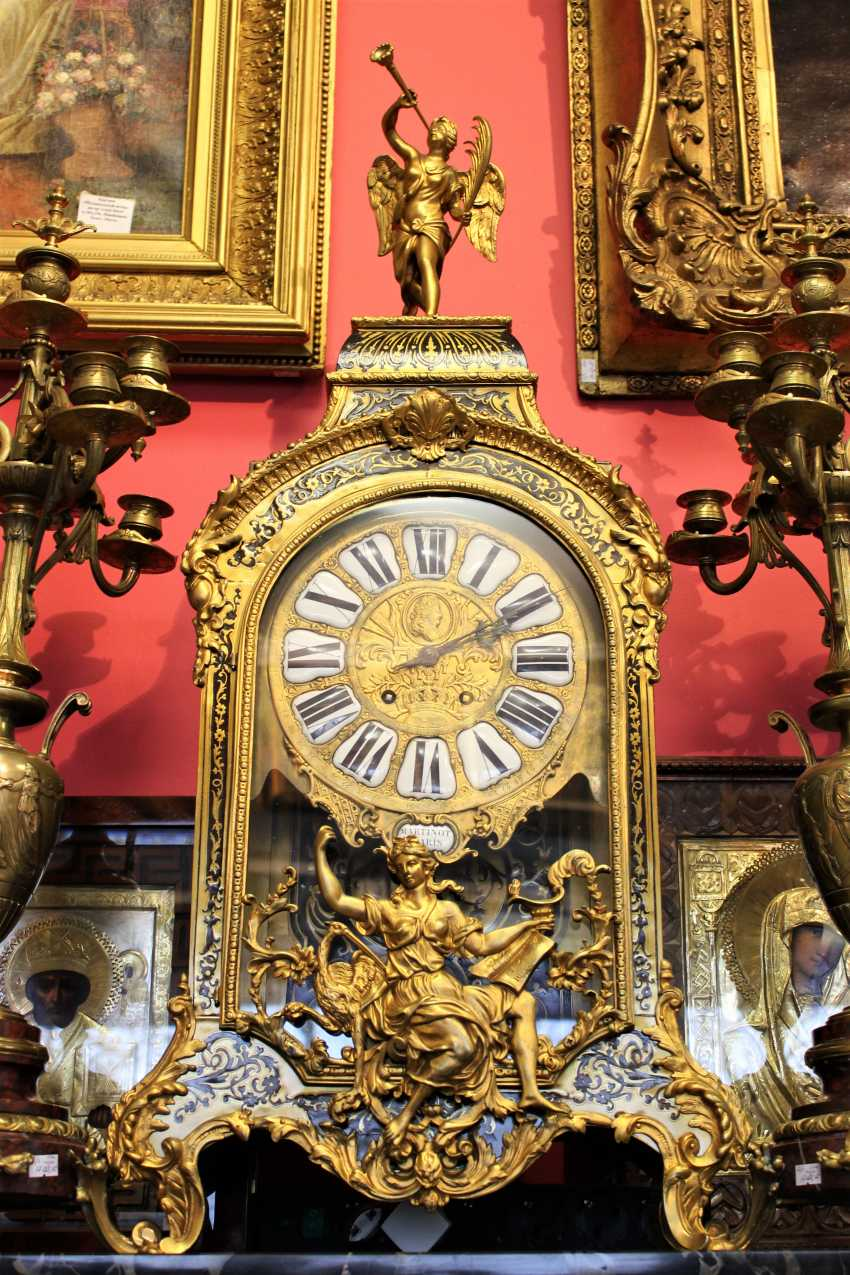 """Mantel clock in the style of """"Boulle"""", the beginning of the XVIII century - photo 1"""