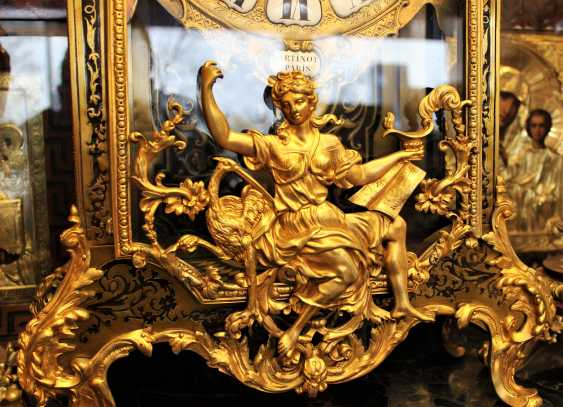 """Mantel clock in the style of """"Boulle"""", the beginning of the XVIII century - photo 2"""