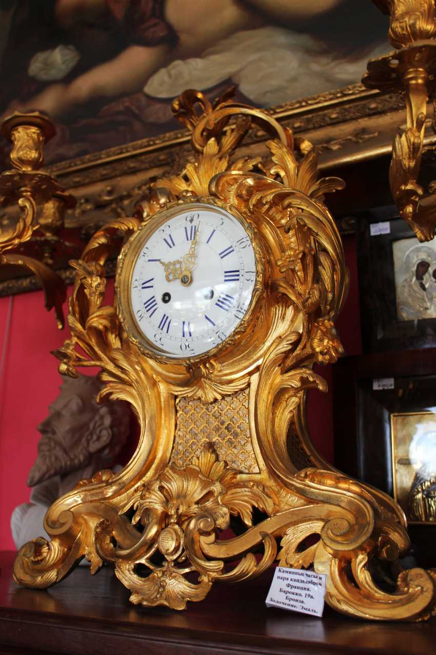 Mantel clock and pair of candelabra in the Baroque style, XIX century - photo 3