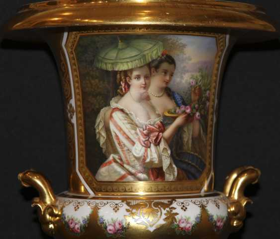 Vase with miniature. The Imperial porcelain factory - photo 2