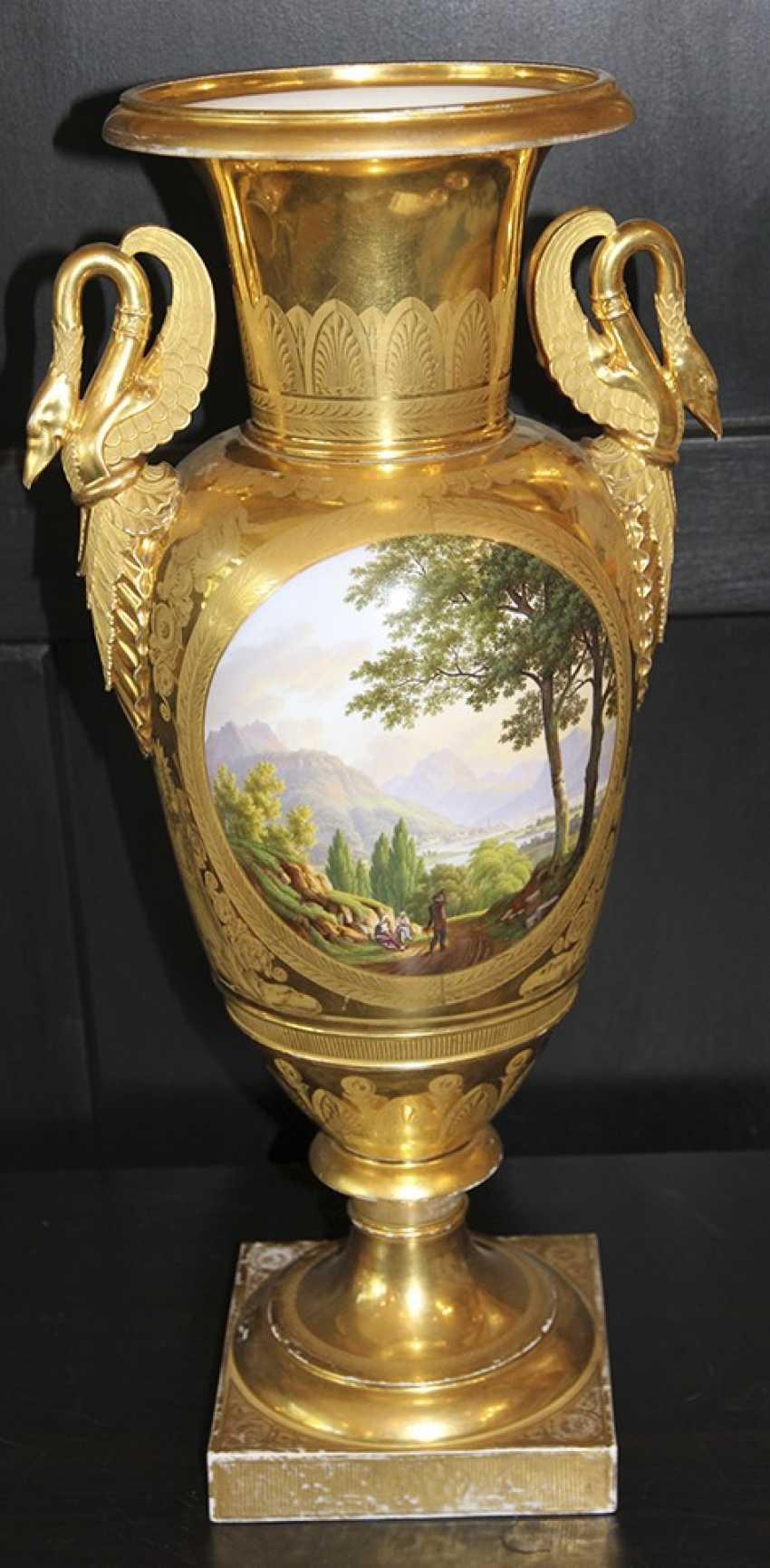 Vase mit Landschaft. Kaiserliche Porzellan-h-D ? - Foto 1