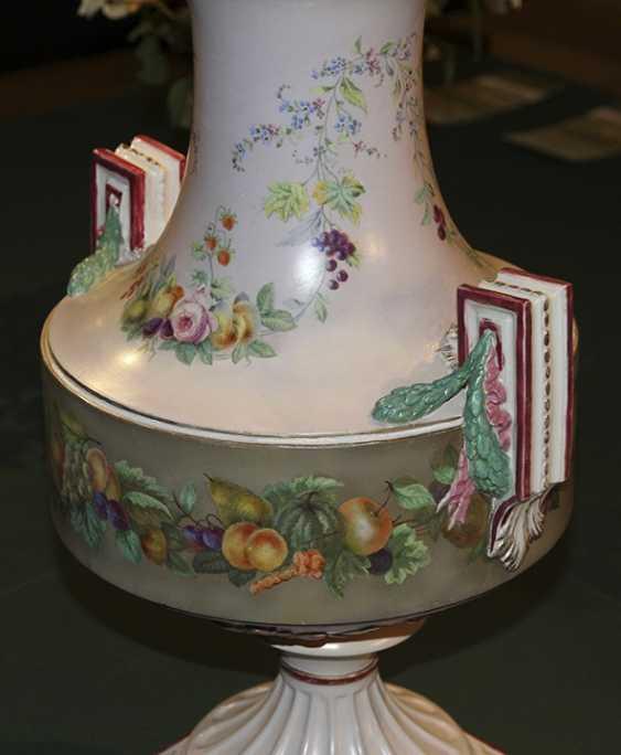 Vase with floral decor, Imperial porcelain factory - photo 2