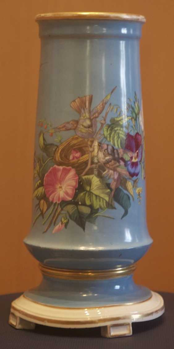 Vase with floral decoration. The Imperial porcelain factory - photo 1