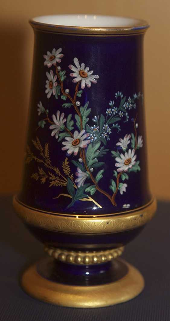 Vase with floral decoration the children's service. The Imperial porcelain factory - photo 1
