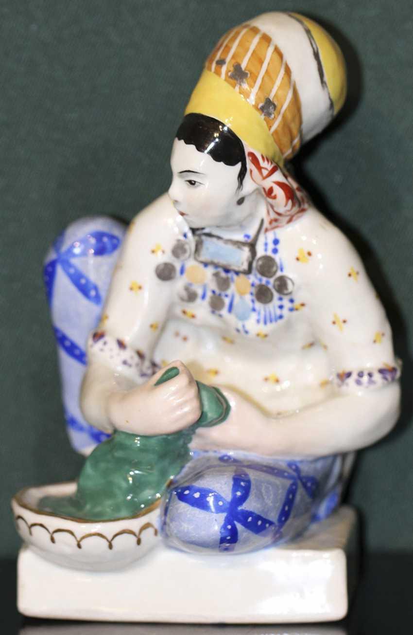 "Sculpture (statue) ""Turkmen laundress"", N. Muratov - photo 1"