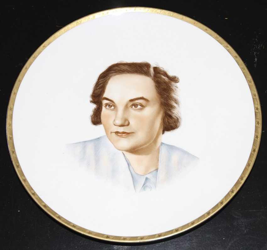 """Plate """"a Portrait of the pilots Grizodubova"""", 1938, Dulevo, Raskatov - photo 1"""
