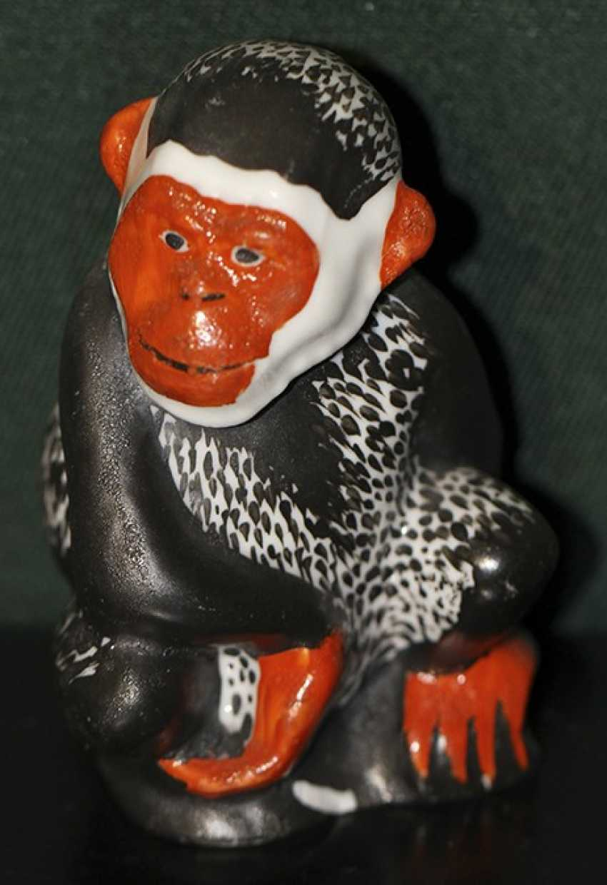 """The sculpture (a statue) """"the Black monkey"""", the 1920-ies - photo 1"""