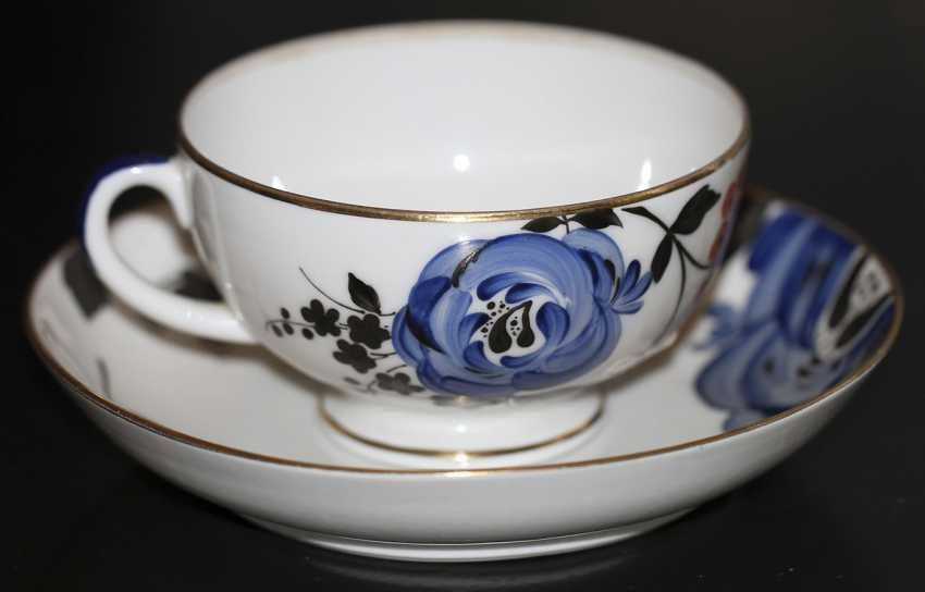 """Cup and saucer from the service of the """"Blue rose"""", 1937, S. Chekhonin - photo 1"""