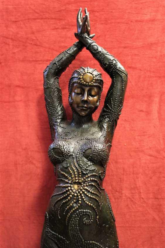 "The sculpture ""Dancer"", the twentieth century - photo 3"