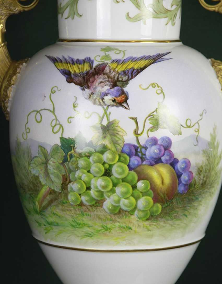 Vase with bird and fruit. KPM, the second half of the XIX century - photo 2