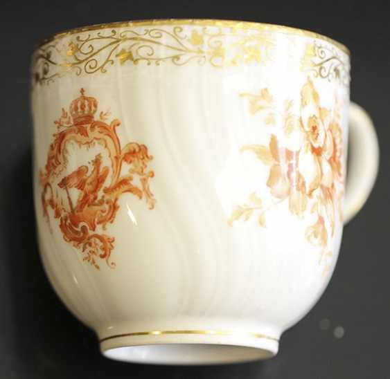 Cup and saucer from the service with a crest and monogram, KPM, mid XIX century - photo 2