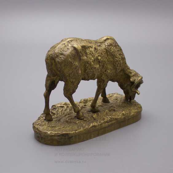 """Ancient statuette of bronze """"Sheep at pasture"""", France, 19th century, by P. J. Mene (Pierre Jules Mene) - photo 3"""
