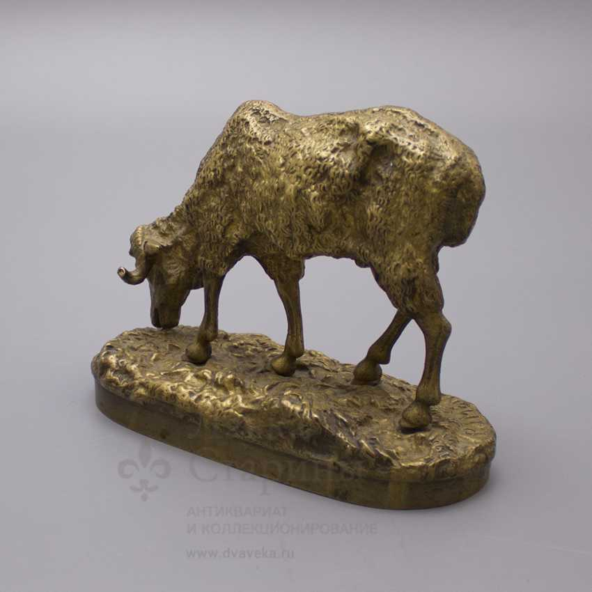 """Ancient statuette of bronze """"Sheep at pasture"""", France, 19th century, by P. J. Mene (Pierre Jules Mene) - photo 2"""