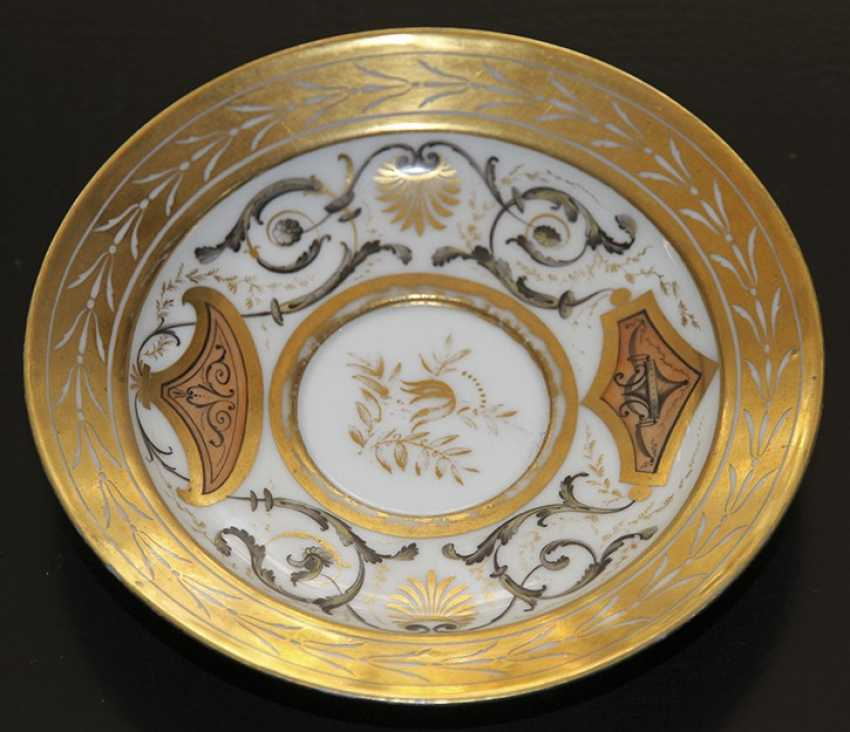 Cup and saucer ornament. Western Europe, first half of XIX century - photo 2