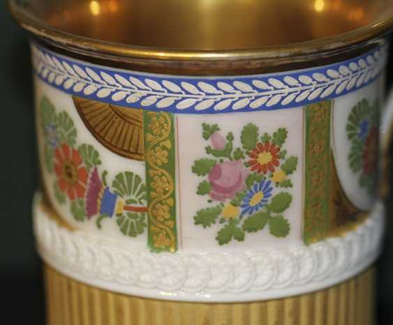 Cup with flowers and ornaments on lion's feet. Western Europe, first half of XIX century - photo 3