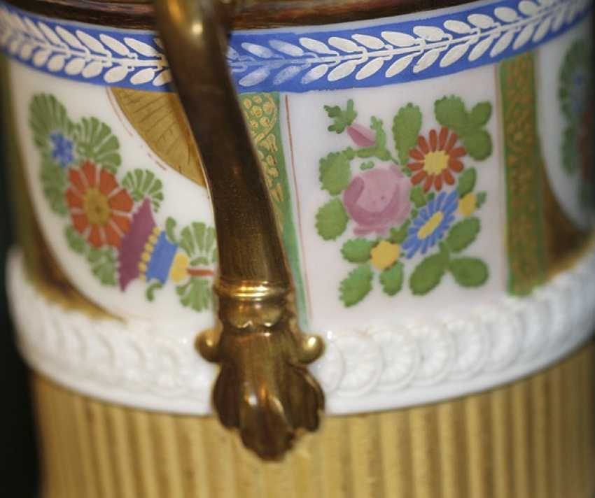 Cup with flowers and ornaments on lion's feet. Western Europe, first half of XIX century - photo 4
