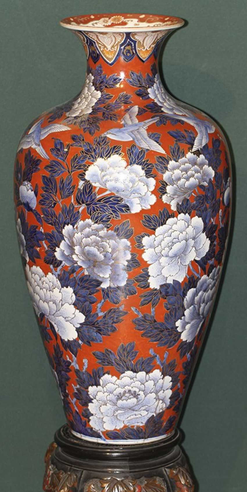 Vase with flowers and birds on a stand. Japan - photo 2