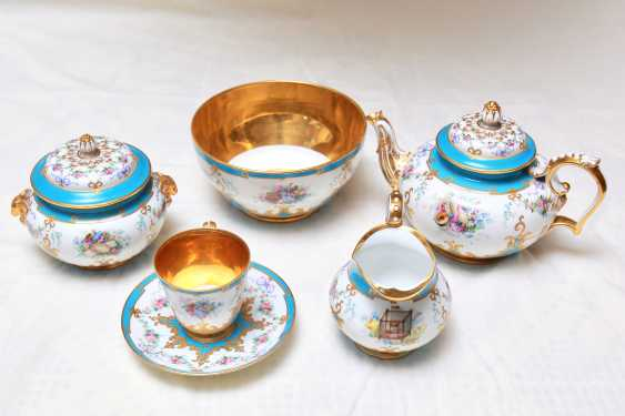 "The tea and coffee service in the style of ""neo-Rococo"" C ""Board blue flowers, and musical instruments for twelve people"" in the native coffer ( box) with the Tula lock. Russia, Saint-Petersburg , Imperial Porcelain Factory, 1860-s - photo 10"