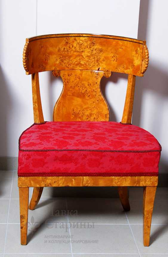 Antique chair - photo 1