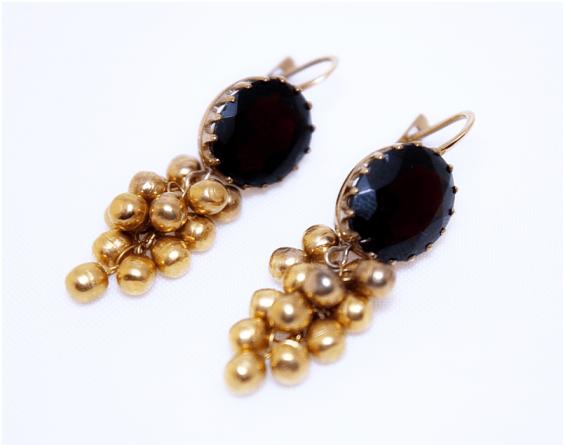 Earrings with garnets - photo 1