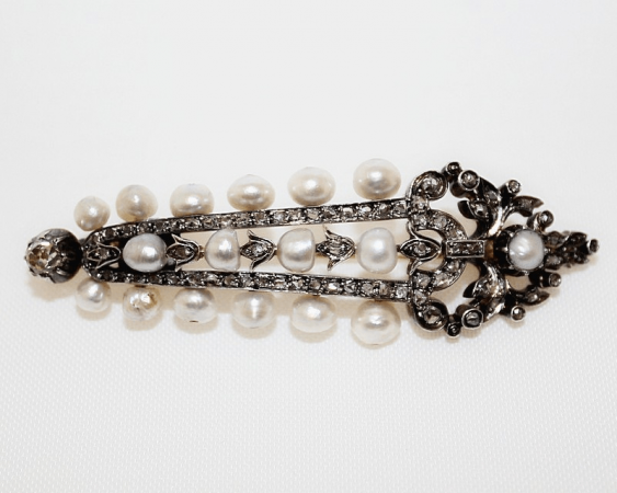 Brooch with pearls with diamonds - photo 1