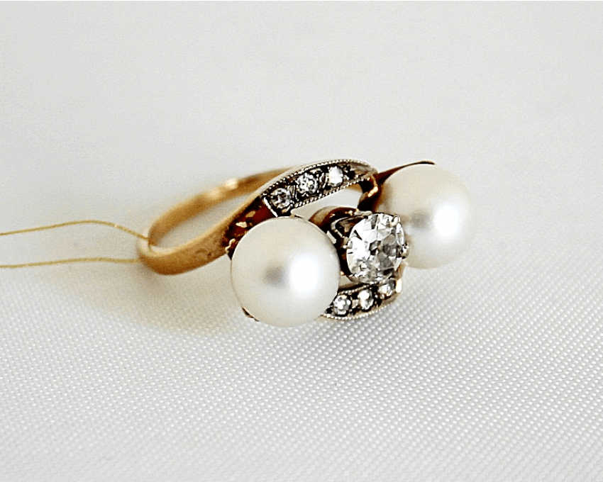 Ring with diamonds and pearls - photo 1