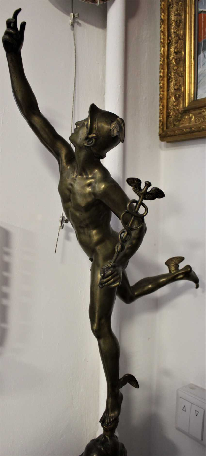 """The statuette """"swift-Footed mercury (the patron God of trade)"""", XIX century - photo 3"""