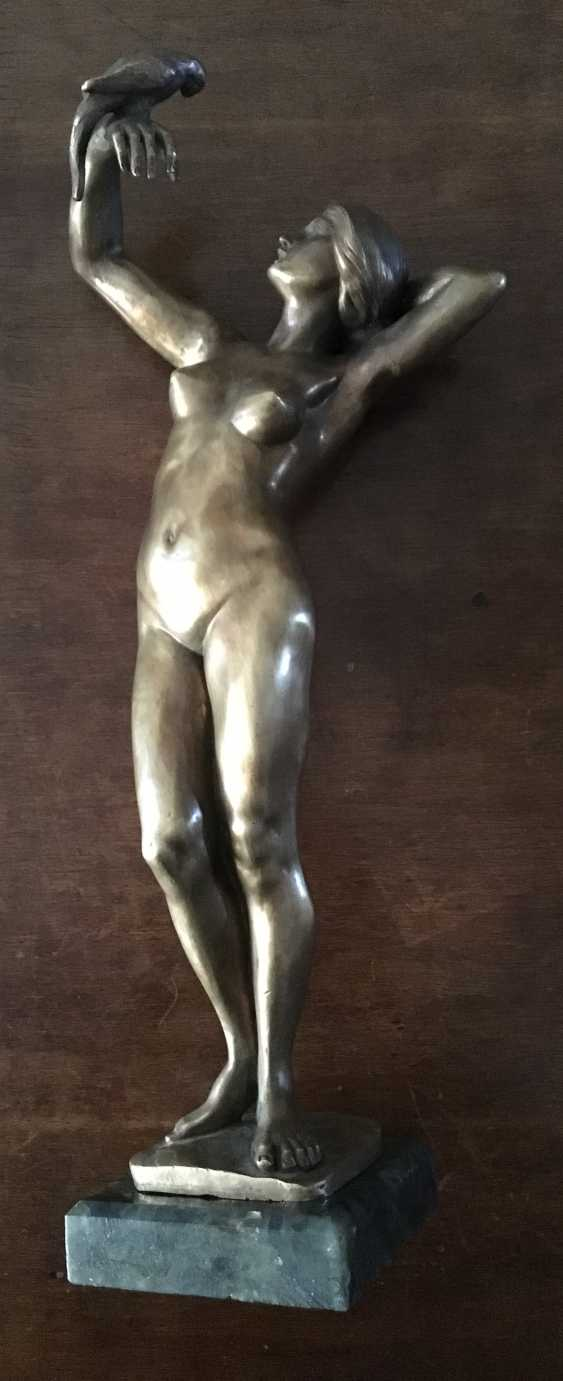 """The sculpture """"Nude with parrot"""", XIX - n. XX centuries. - photo 5"""