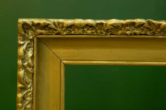 Mirror in a gold frame - photo 3