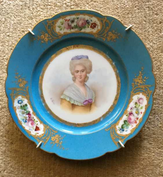 "Plate ""Mme Rieker antistress"", sèvres, 1779 - photo 1"